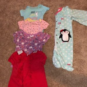 Like new baby girl clothes 0-3 M